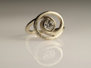 Engagement ring by Visionnaire Wedding 4
